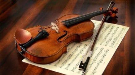 tocar violin