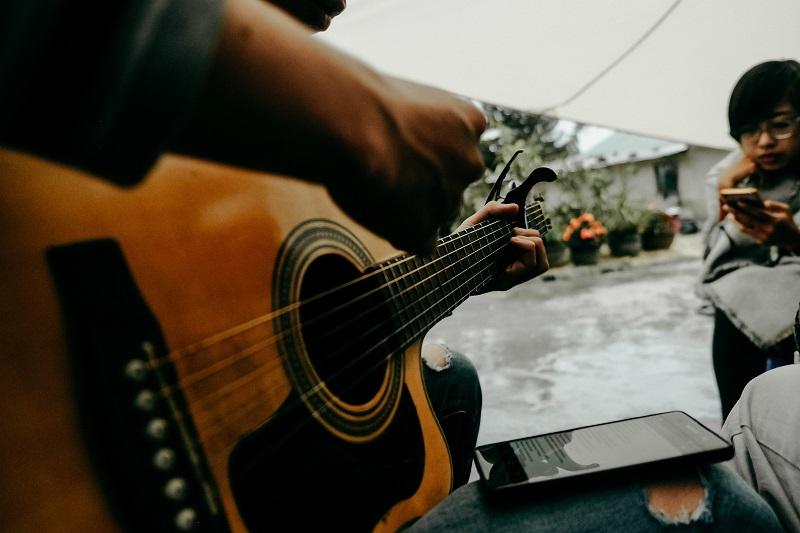 ¿Cómo grabar una guitarra desde casa Acústica?